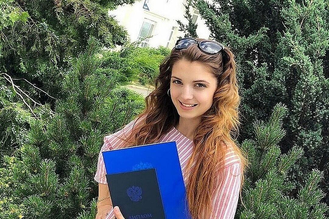 Волгоградские родственники забрали из приюта девочку, мама которой погибла в ДТП, фото-1