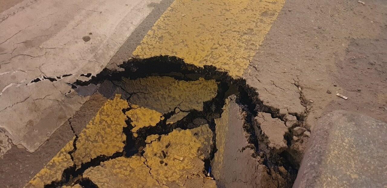 """Дорога к загсу ушла под землю в Волгограде -""""это знак Божий"""", фото-2"""