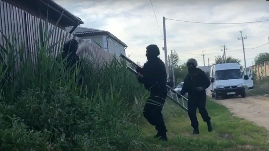 В Волгограде полиция накрыла онлайн-порностудию для США и Европы: видео, фото-1