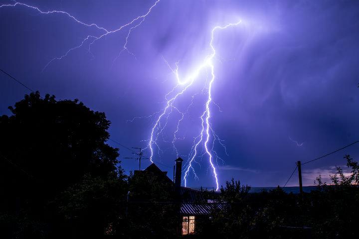 Грозы, дожди и шквалистый ветер ожидают в начале августа волгоградцев, фото-1